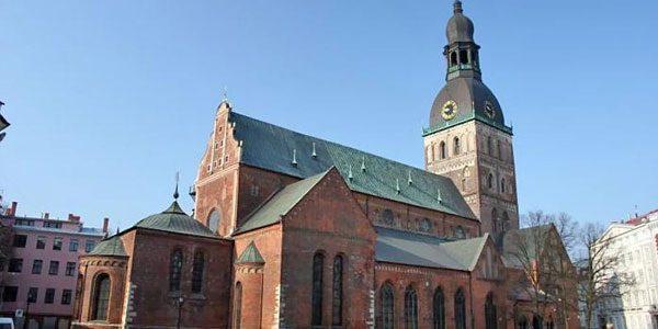 Домский-собор