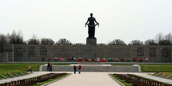Пискаревское-мемориальное-кладбище