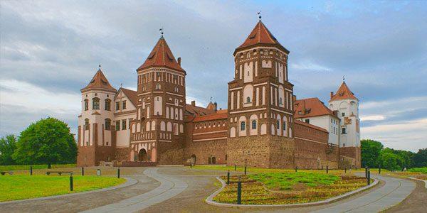 Замковый-комплекс-«Мир»