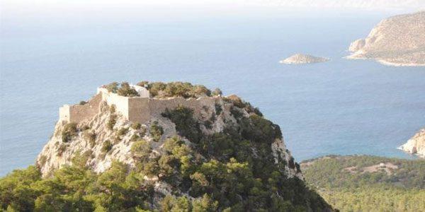 Замок-Монолитос