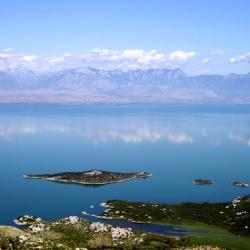 Скадарское озеро — достопримечательность Черногории.