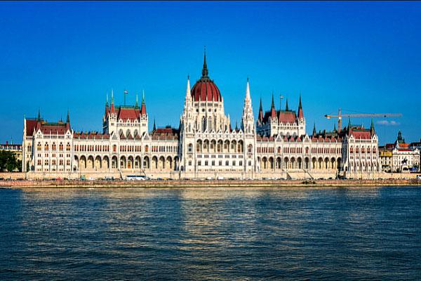 Столица Венгрии в июне.
