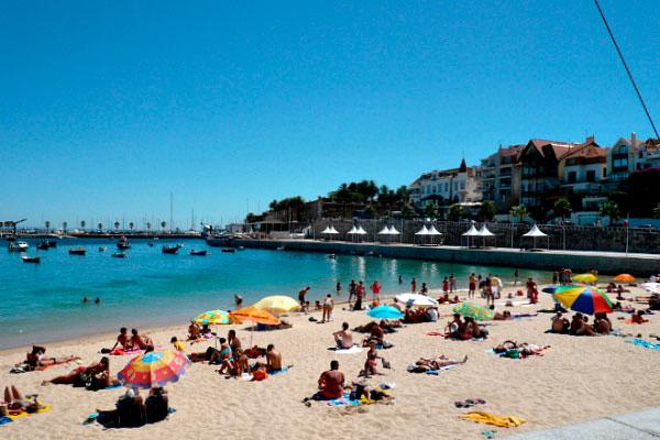 Пляж в Португалии.