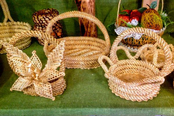 Плетеные корзинки.