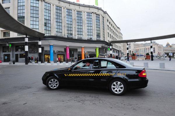 Такси из Брюсселя.