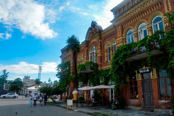 Сухум — крупнейший город Абхазии.
