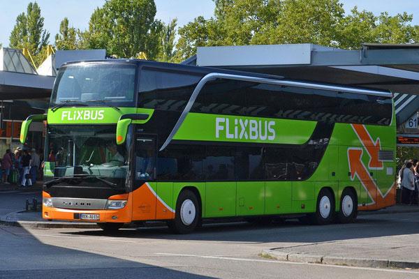 Как доехать на автобусе из польской столицы до немецкой.