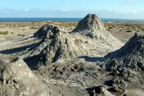 Грязевой вулкан.