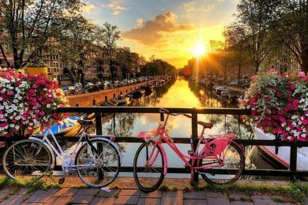 Весна 2020 в Амстердаме.
