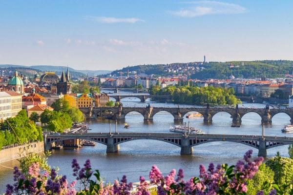 Куда поехать отдыхать за границу в апреле 2020?.
