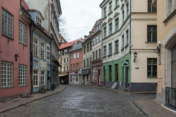 Улица города.