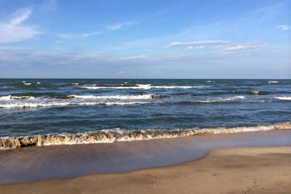 Пляж на Каспийском море.