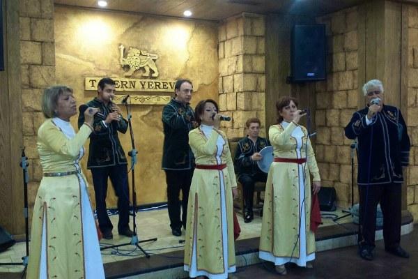 Таверна в Ереване.