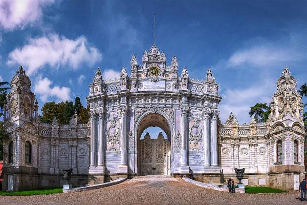 Экскурсия в дворец.