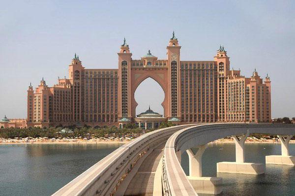 Дубай в июне 2020.