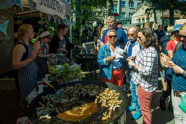 Фестиваль уличной еды.