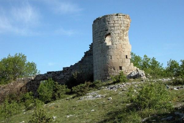 Башня крепости Алустон.