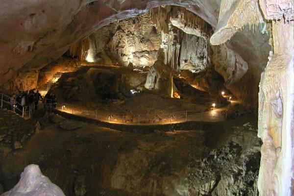 Мраморные пещеры.