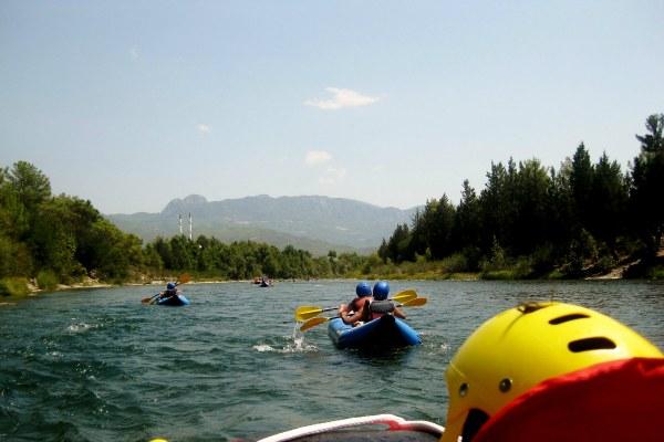 Спуск по реке.