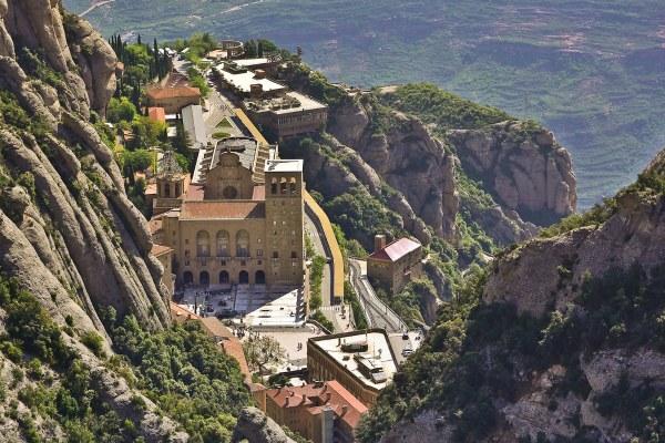 Горный монастырь Монтсеррат.