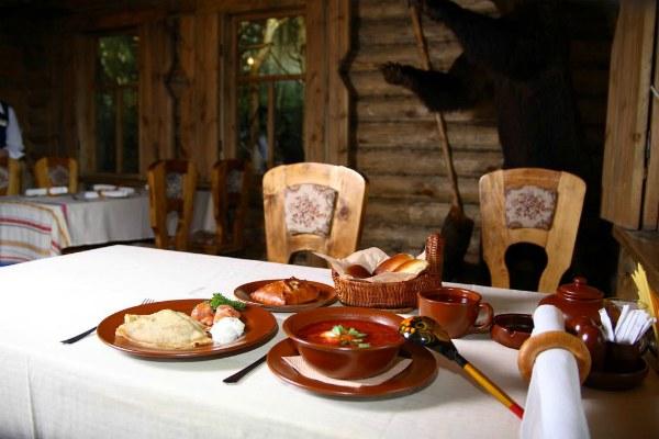 Ужин в ресторане.