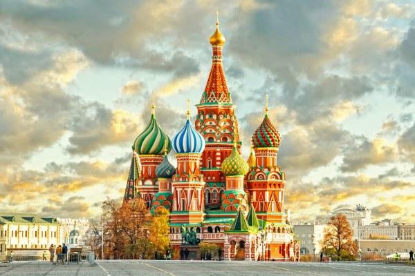 Собор в центре Москвы.