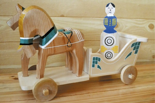 Деревянная игрушка.