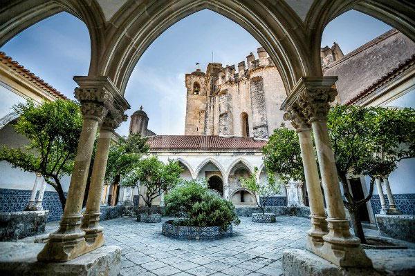 Монастырь в Томаре.
