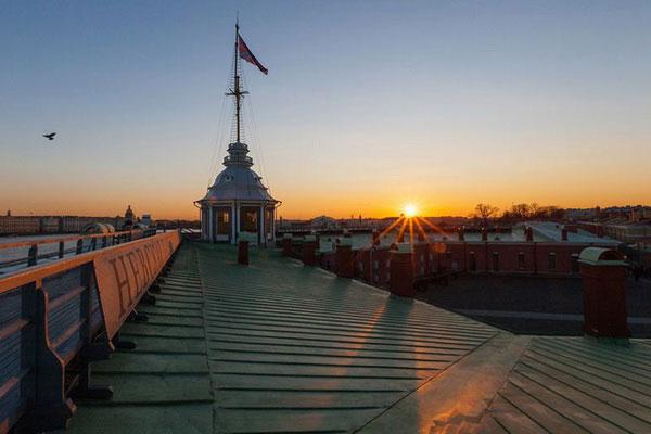 Вид на Спб в Петропавловской крепости во время экскурсии.