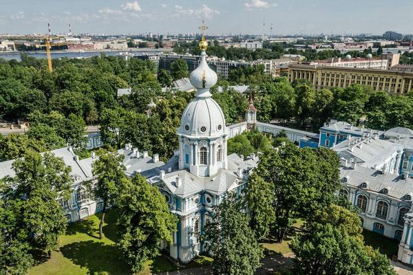 Смольный собор в Санкт-Петербурге.