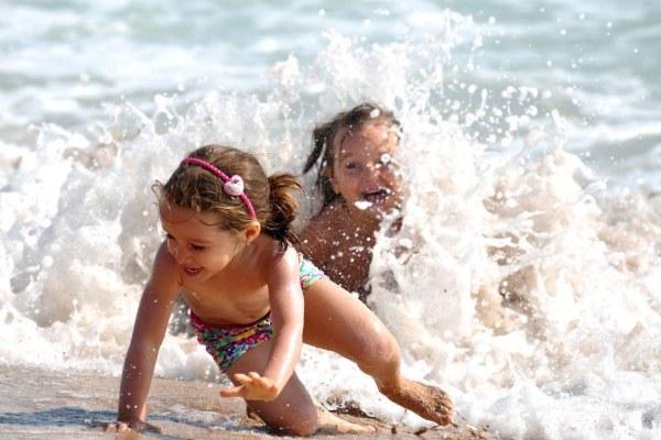 На море с детьми.