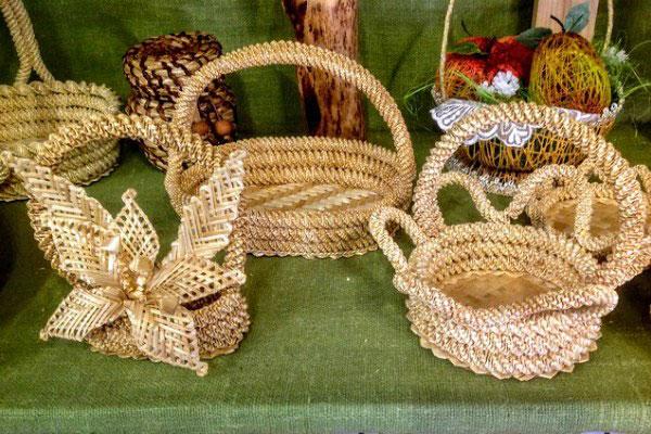 Сувениры из соломы.