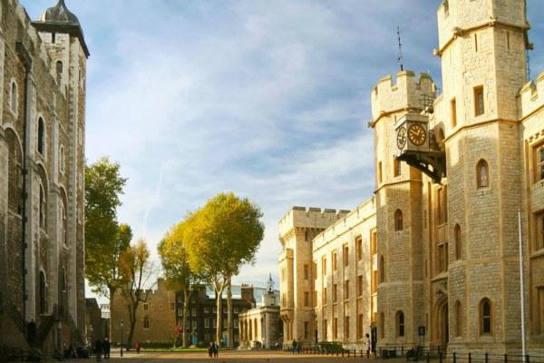 Замок-тюрьма.