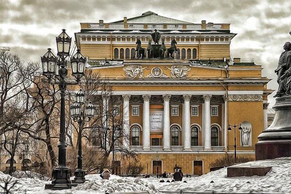 Театр в Петербурге.