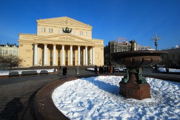 Большой театр зимой.