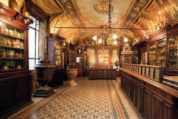 Старейшая аптека Рима.