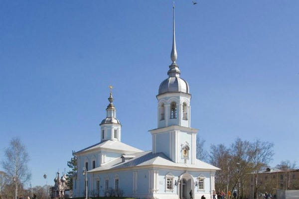 Церкви и храмы.
