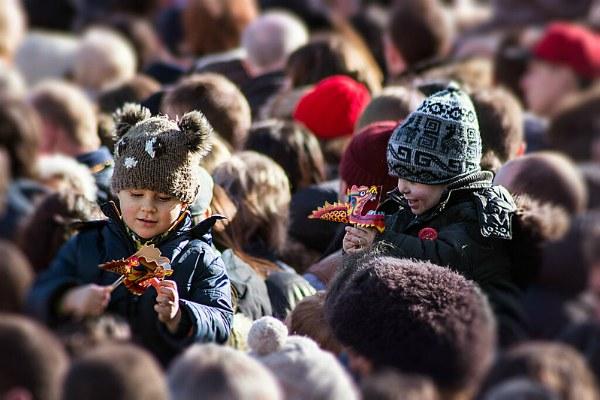 Дети на параде.