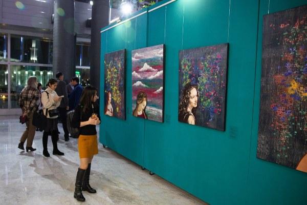 Выставка Лейлы Махат.
