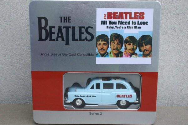Сувениры Beatles.
