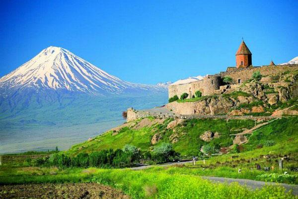 Монастыри Армении.