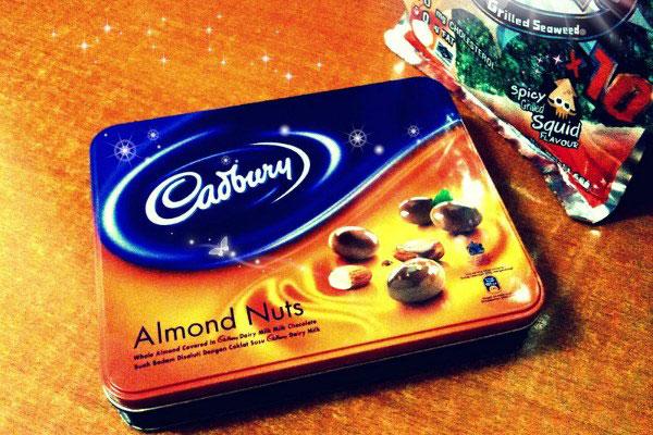 Шоколад Cadbury.