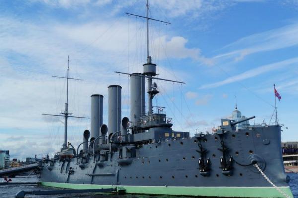 Корабль Аврора.