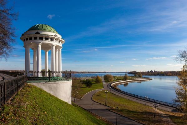 Набережная в Ярославле.