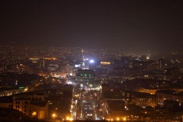 Ереван ночью.