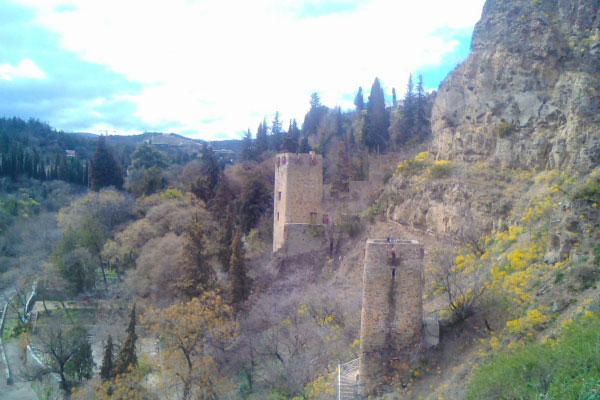 Крепость Нарикала.