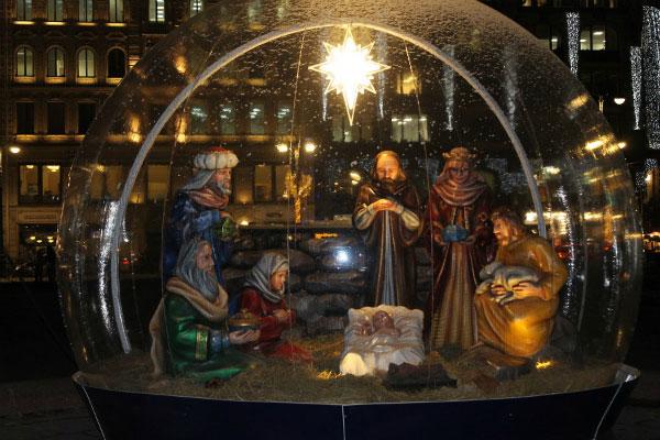 Рождественская инсталляция.