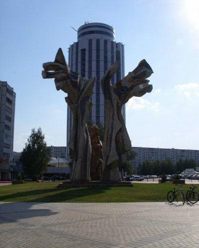 Скульптура «Древо жизни».