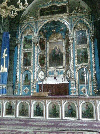 Алтарь церкви.