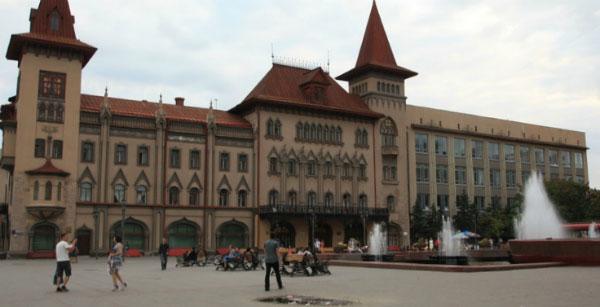 Площадь Чернышевского.